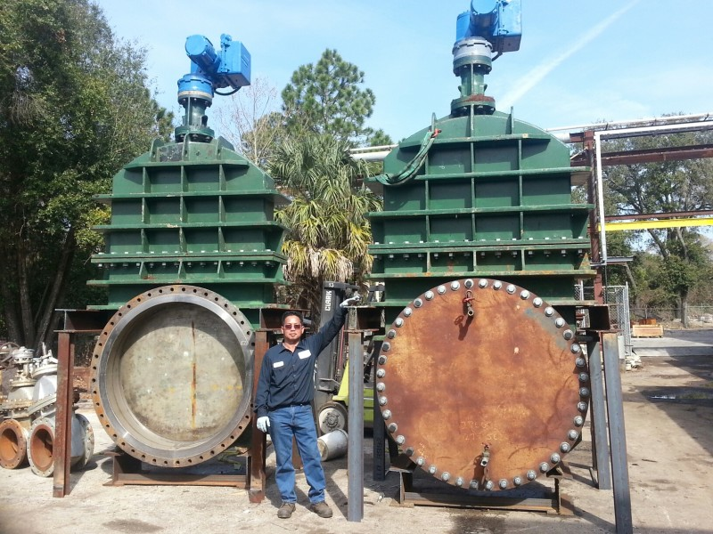 "Sedan repairing 54"" ship isolation valves"